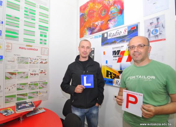 Čestitamo na uspješno položenom ispitu iz upravljanja m/v B kategorije Instruktor Vedad i novi vozač Kemal K